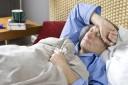 Bei Grippe ist auf jeden Fall Bettruhe angesagt, um den Körper zu schonen.